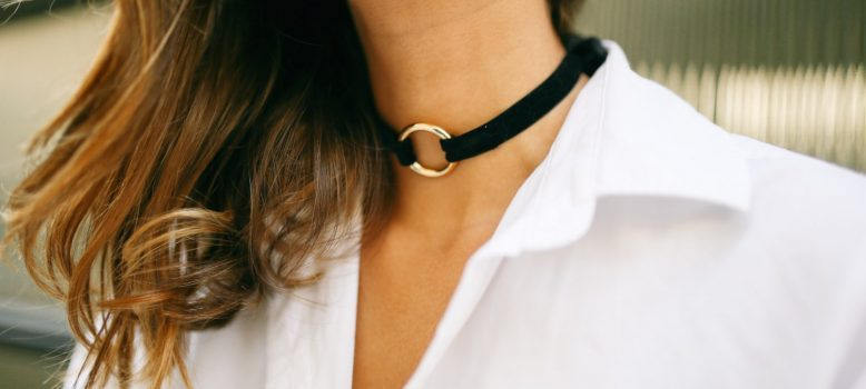 5 Real Reasons Why Do Girls Wear Chokers