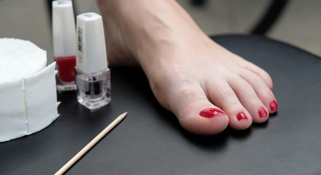 Everything to know about Acrylic Toenails | False Toenails