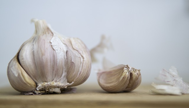 How much minced garlic is a clove?